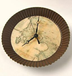Reloj de pared de mapa antiguo DIY